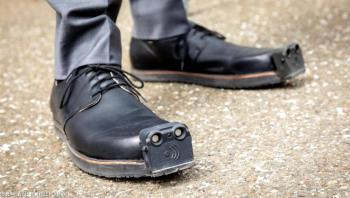 حذاء جديد أكثر أماناً للمكفوفين