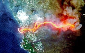 تحذيرات من وصول أدخنة بركان لابالما إلى مصر