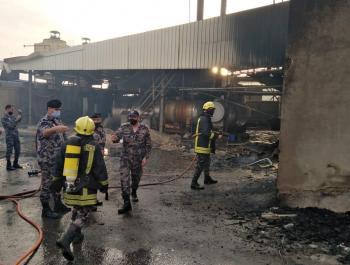 حريق هنجر تابع لمصنع بولسترين في البلقاء