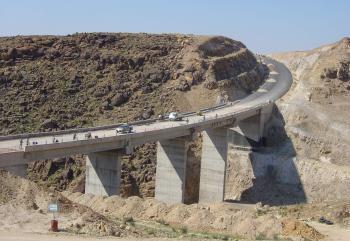 قبيل الشتاء ..  انشاء وصيانة 10 جسور على طريق البحر الميت