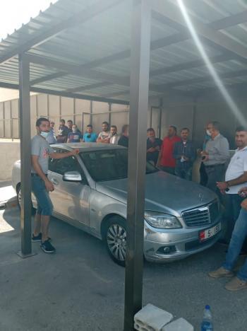 سفريات السعودية يعتصمون أمام هيئة قطاع النقل