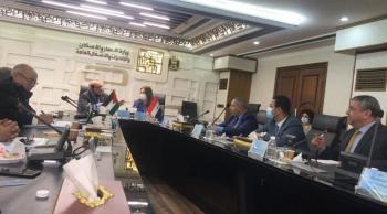 الكسبي: الحكومة تحرص على تذليل العقبات امام المستثمر العراقي