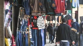 توقعات بارتفاع الطلب على الملابس الاثنين