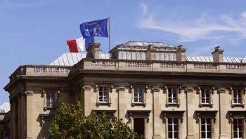 فرنسا تطالب دول الشرق الأوسط بالتوقف عن مقاطعة منتجاتها