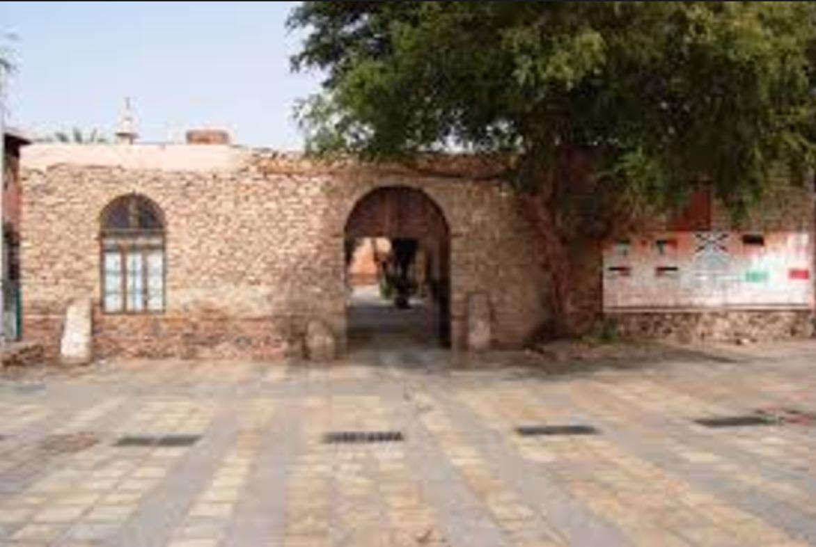 إعادة ترميم بيت الشريف الحسين بن علي