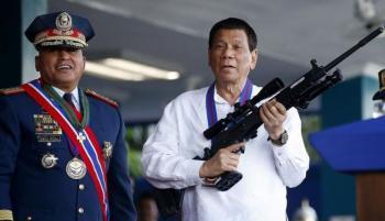 رئيس الفلبين يهدد رافضي لقاح كورونا بـالسجن