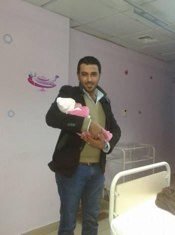 حسين محمد حتاملة يرزق بـتاليا
