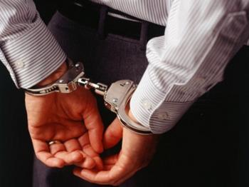 القبض على مطلوبين بقضايا شيكات هربا من محكمة الرمثا