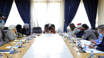 الأسرة النيابية تدعو لقرارات جادة لحل مشكلة الغارمات