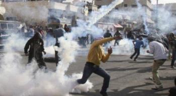 عشرات الاصابات بالاختناق خلال مواجهات مع الاحتلال في الخليل