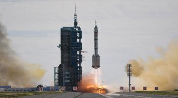 ما هي مهام المركبة الفضائية الصينية المأهولة شنتشو-12؟