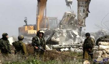 الاحتلال الاسرائيلي يهدم قاعة أفراح جنوب طولكرم