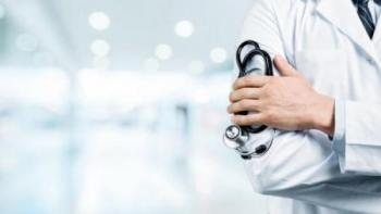 التيار النقابي المهني للأطباء يستهجن الهجمة المبرمجة على القطاع العام