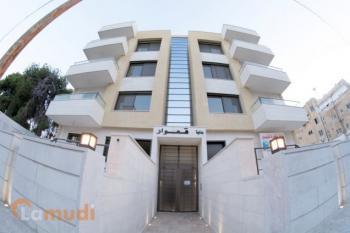 شقة 120م مقابل فندق اللاند مارك للبيع
