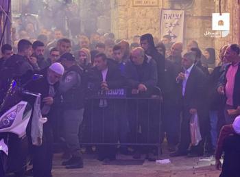 الاحتلال يمنع مقدسيين من أداء صلاة الفجر في الأقصى