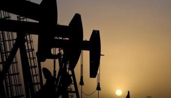 أزمة قناة السويس تصعد بأسعار النفط