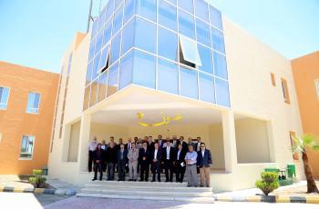 مصنع للسيارات في الأردن