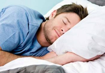 9 حيل تضمن لك النوم المريح خلال موجات الحر الشديدة