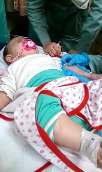 بعد فشل عملية جراحية ..  طفلة تعاني ولا علاج لها في الأردن