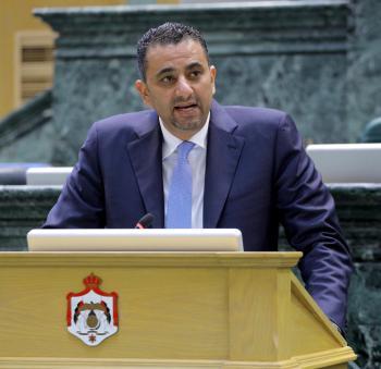 أبو حسان يُطالب الحكومة بإنقاذ القطاعات الاقتصادية