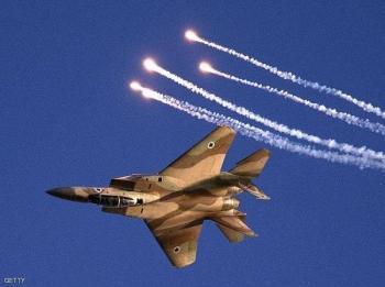 طائرات الاحتلال تقصف اراضي زراعية جنوب قطاع غزة