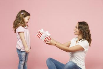 5 خطوات لاختيار الهدايا لطفلك في عطلة الصيف