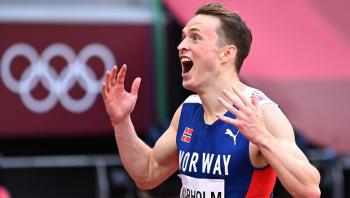 أولمبياد طوكيو ..  فارهولم يحطم الرقم العالمي ليفوز بذهبية سباق 400 متر حواجز