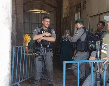 إسرائيل تبدأ بعرض بديل عن البوابات الإلكترونية