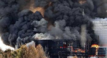حريق بمجمع تجاري في عمان
