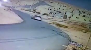 3 أشخاص يسرقون أغنام بالزرقاء - فيديو
