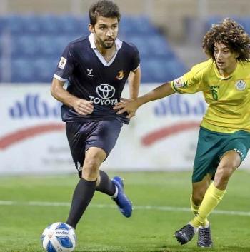 اللاعب جابر يجدد عقده مع النادي الأهلي البحريني