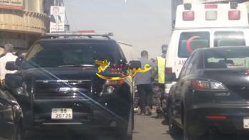 رجل يقتل زوجته في الشارع العام بالزرقاء