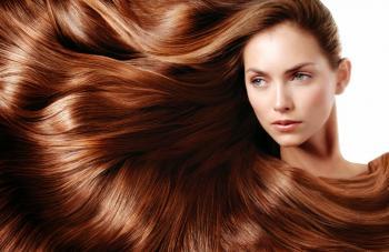 7 طرق للحصول على شعر أملس ومستقيم