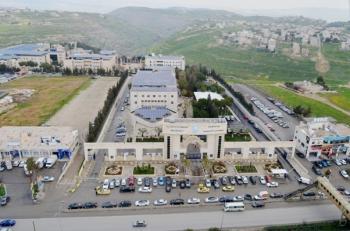 عمان الاهلية تهنئ بعيد الفطر السعيد