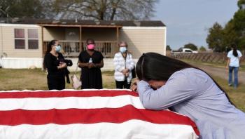 رويترز: وفيات كورونا في أمريكا تتجاوز 600 ألف