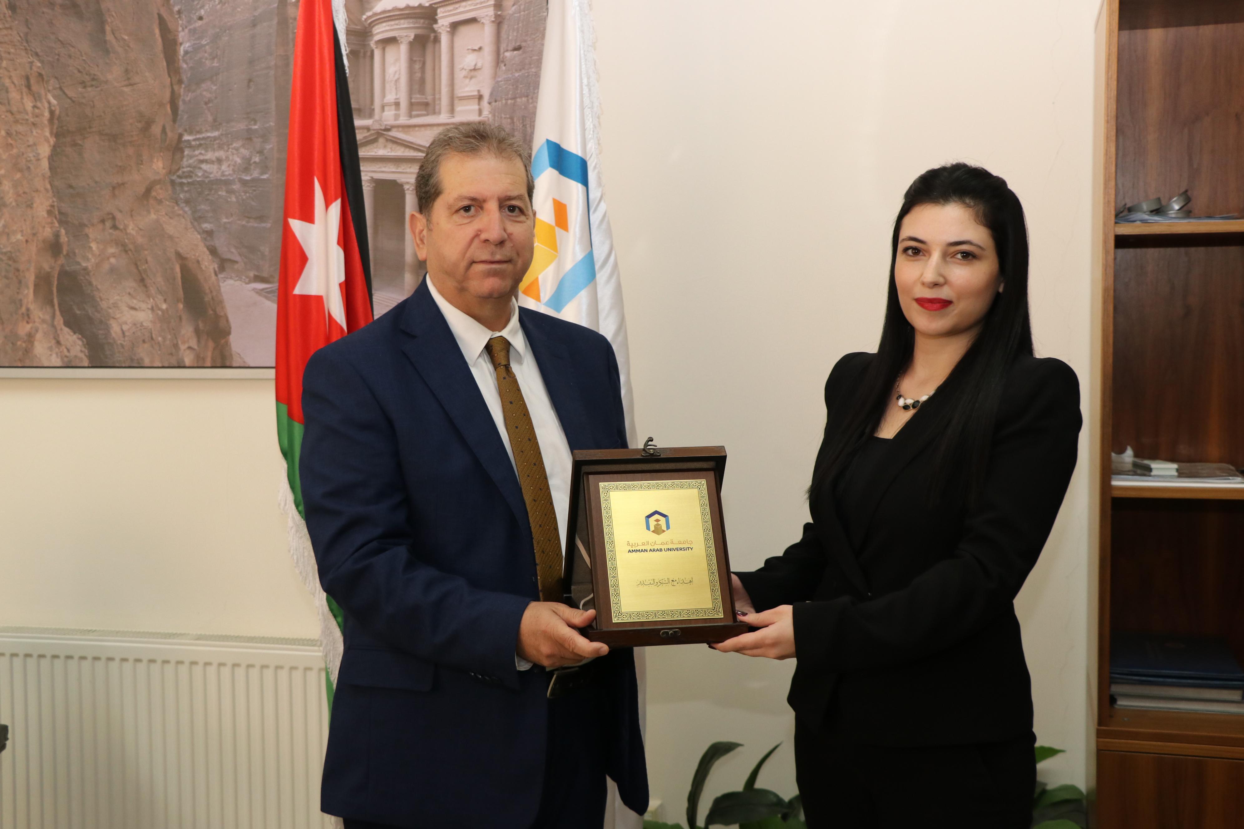 خريجو جامعة عمان العربية يستمرون بالتميز والإبداع