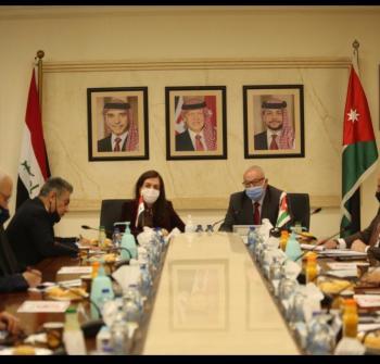 الكسبي يبحث مع نظيرته العراقية التعاون المشترك في قطاع الإنشاءات