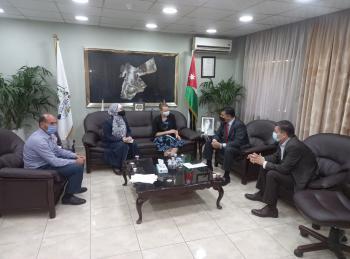 الحنيفات يلتقي الممثلة المقيمة لبعثة البنك الدولي في عمان