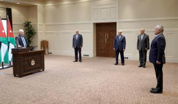 ذيابات والزعبي يؤديان اليمين القانونية أمام الملك