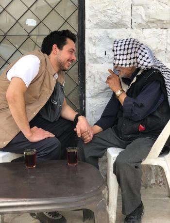 ولي العهد يعزي بوفاة ابو يوسف الذي شرب معه الشاي في مأدبا