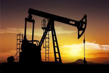 النفط يرتفع حوالي 1% بعد اجتماع كبار منتجي أوبك