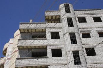 ارتفاع مساحة الأبنية المقترحة المصدق عليها من نقابة المهندسين 26%