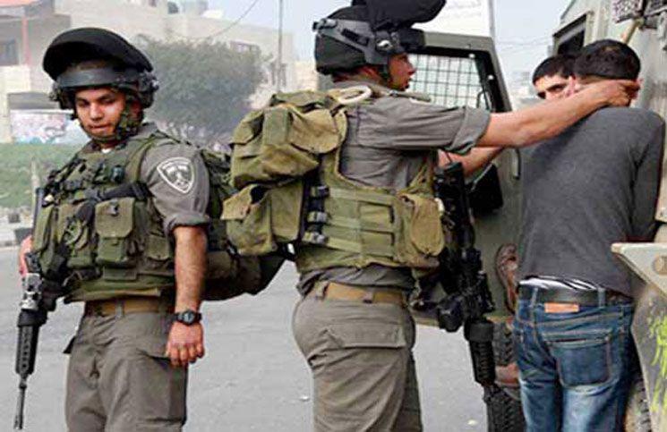 إسرائيل تعتقل 8 فلسطينيين في الضفة الغربية