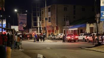 20 قتيلًا و30 جريحًا إثر تفجير انتحاري استهدف مطعمًا في مقديشو