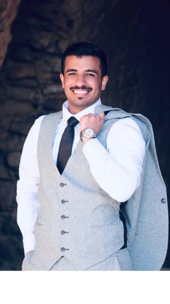 الدكتور حسين محمد حسين المساعيد مبارك التخرج