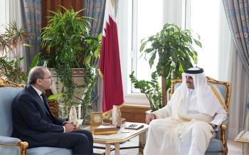 الصفدي ينقل رسالة شفوية من الملك الى أمير دولة قطر