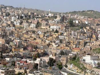 مطالبات ببناء حواجز اسمنتية لشارع الميدان بالسلط