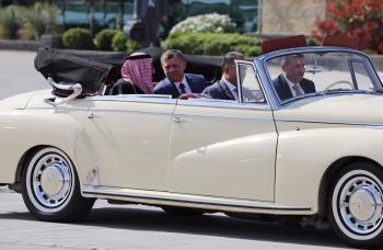 الملك سلمان بن عبدالعزيز يصل الأردن