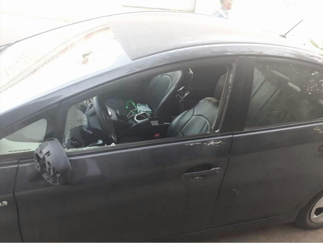 تكسير مركبة الزميل ابو صبيح بهدف السرقة