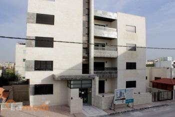 شقة طابقية في البنيات للبيع